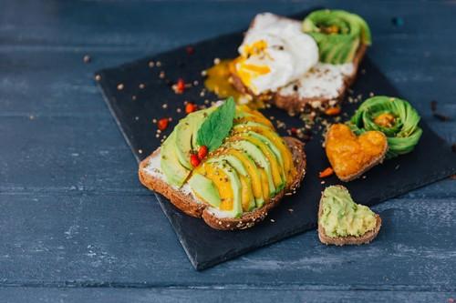Avocado toast, avokado sendvič