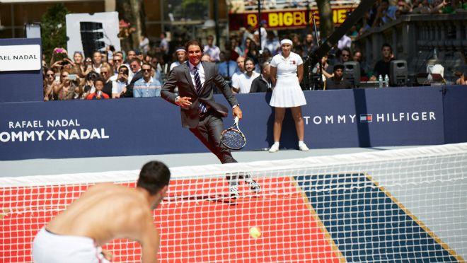 SEKS, MODA I TENIS: Pogledajte kako je izgledao seksi teniski turnir u centru Njujorka!
