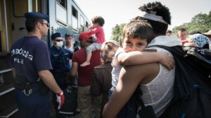 POTRESNE SLIKE IZ MAĐARSKE: Jedan dan u životu migranata