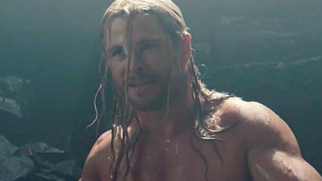 IZNENAĐENJE: Pogledajte novu transformaciju Chrisa Hemswortha