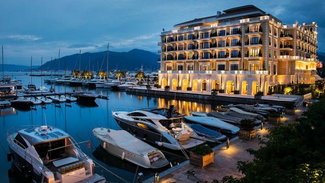 ČISTA MAGIJA: Novogodišnji praznici u hotelu Regent Porto Montenegro