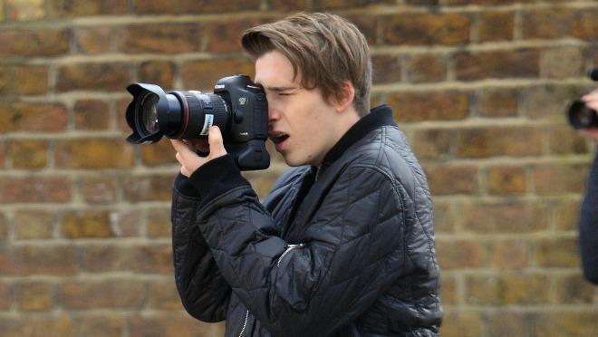 Iako nema još ni 17 godina, danas je fotkao kampanju za parfem Burberry Brit