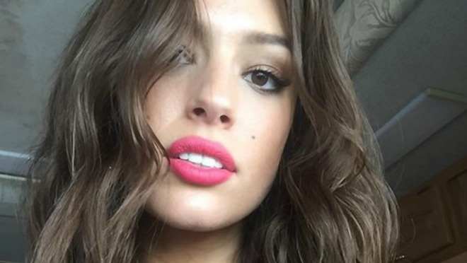 Plus size model Ashley Graham počastila pratioce na Instagramu golišavom fotkom
