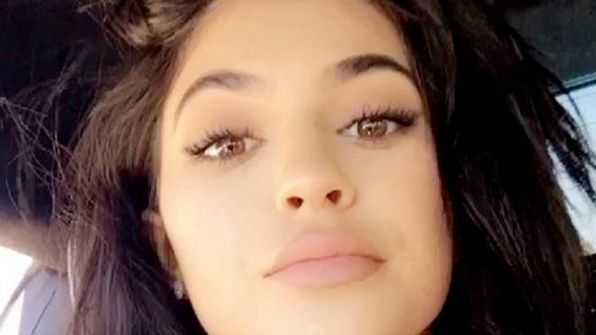 Zašto Kylie Jenner imitira svoju sestru?!