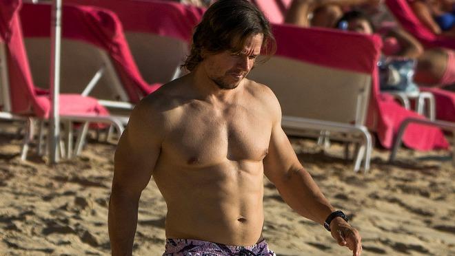 BEZ KONKURENCIJE: Ponovo dokazao da ima najbolje mišiće među glumcima