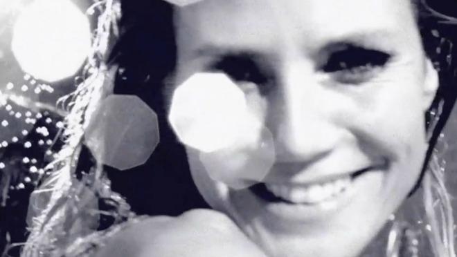 EKSKLUZIVNO: Heidi Klum potpuno gola u kadi!