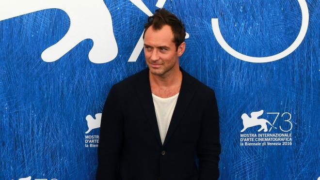 ON JE OPET U CENTRU PAŽNJE: 5 najhot izdanja Jude Law-a