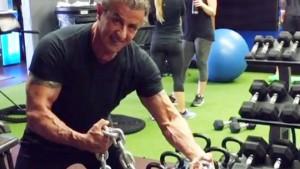 SUROVOST ILI ZEZANJE: Kad Stallone vodi trening to izgleda ovako!
