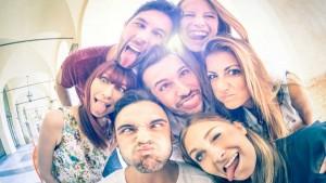 Kako zaista izgledaju prijateljstva mladih danas?