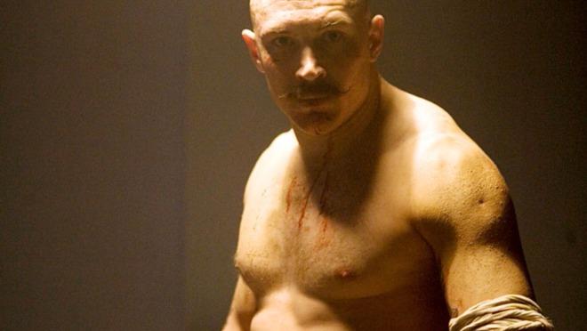 PRAVI AKCIONI HEROJ Tom Hardy uhvatio lopove nakon potere!