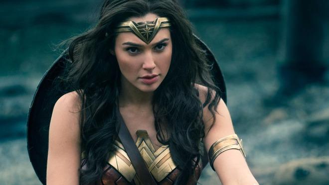Gal Gadot izgleda super sexy u novom Wonder Woman trejleru!