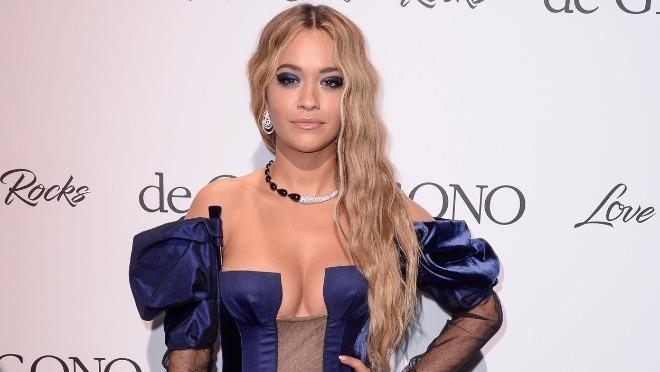 Rita Ora dekolteom promovisala novu pesmu