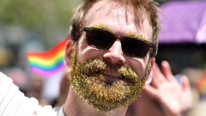 Ako pustite bradu nećete biti gay, kaže ruski sveštenik