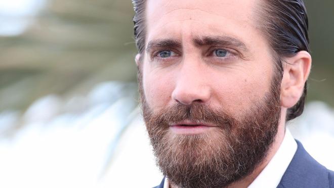 Kako da sredite bradu bez odlaska kod brice