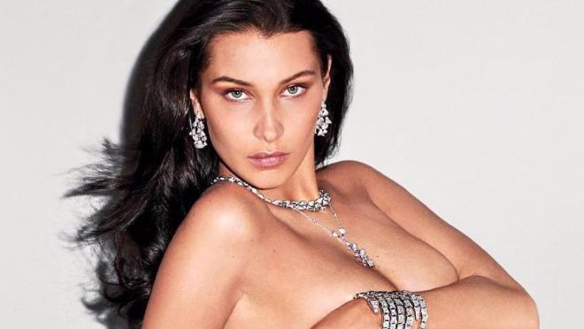 Bella Hadid je prevazišla sebe toples fotkama sa dijamantima