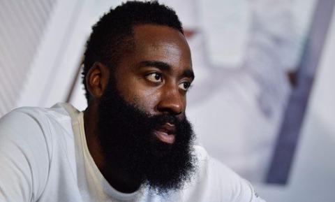 Da li brada zaista stvara razliku tokom oralnog seksa?