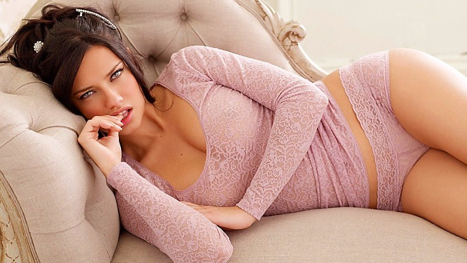 Ovih 11 Victoria's Secret seksi momenata će vas uveriti da raj postoji!