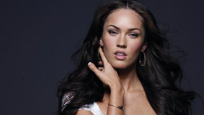 Ovi 7 slika će vas ubediti da je Megan Fox i dalje (bezobrazno) zgodna!