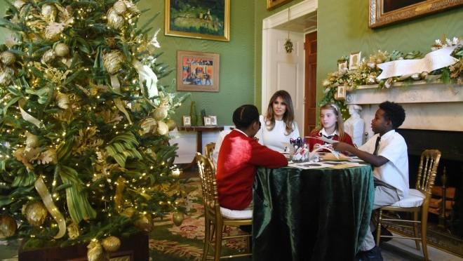 Melania Trump je zaslužila apaluz za koncept dekoracije Bele kuće