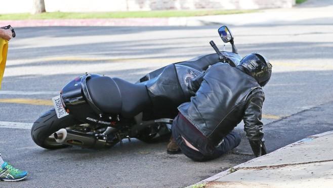 Kakav peh: Poznati glumac doživeo nesreću na motoru