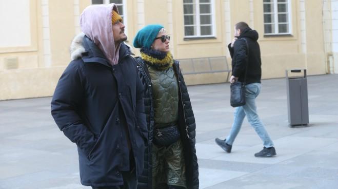 Uspešno maskiranje: Niko nije prepoznao svetske zvezde u poseti Evropi