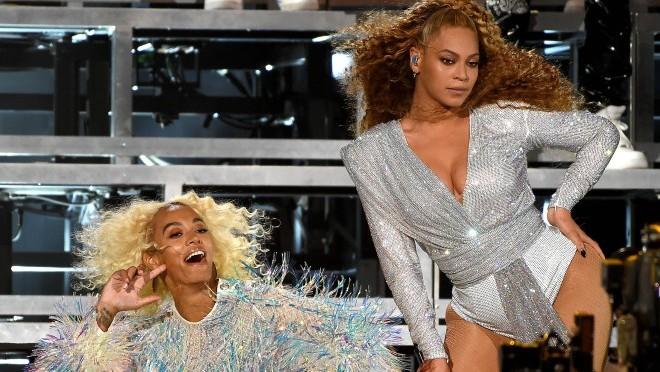 Kakav urnebesni peh: Beyonce nije očekivala da će joj se ovo desiti na sceni