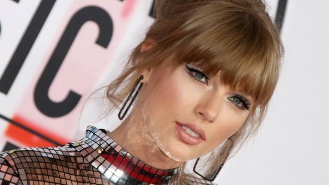 Svet u neverici: Kakvu poruku je poslala Tylor Swift?