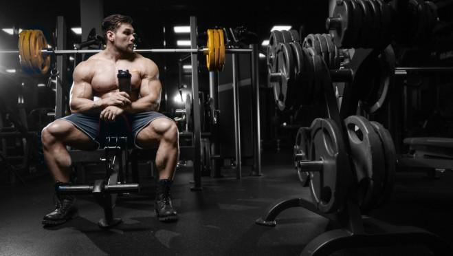 Invazija: Postoji li neko ko ne koristi steroide?