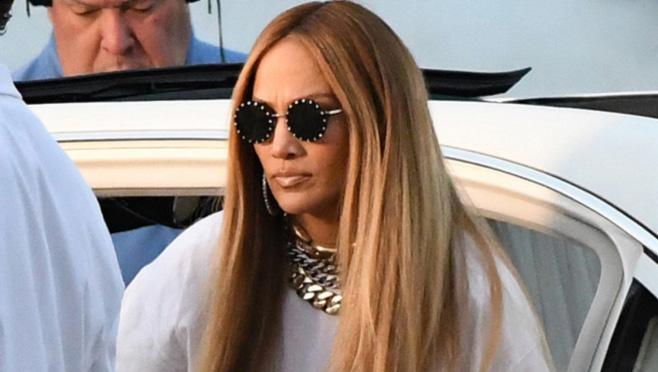 Kako Jennifer Lopez nosi gačice - novi seksi trend?
