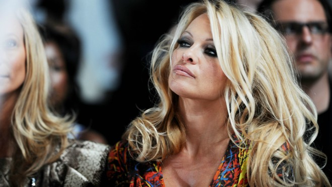 Kako je Pamela Anderson razbesnela žene širom sveta?