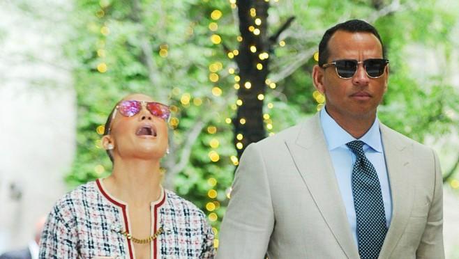 Konačno se i to desilo: Jennifer Lopez zaprošena na plaži