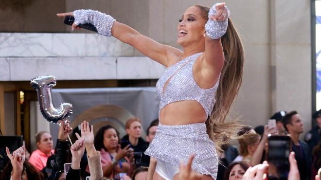 Rat na internetu: Da li je Jennifer Lopez upropastila ili unapredila svoje telo?