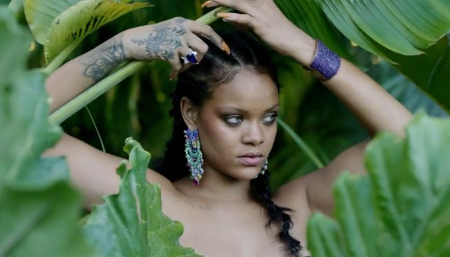 Kad bi sve žene nosile ovakav veš: Rihanna ostavlja bez daha