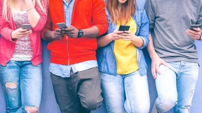 Svet upozorava: Ovo su negativne posledice preteranog korišćenja mobilnog telefona