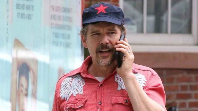 Koji holivudski glumac igra lik Nikole Tesle u biografskom filmu?