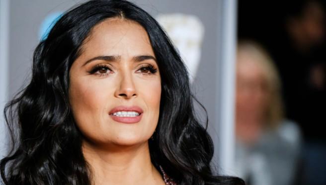 Kakve grudi: Glumica na zanimljiv način pokazala svu raskoš svog dekoltea