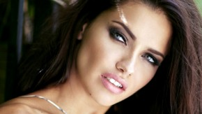 Adriana Lima bez ustezanja pokazala lice bez šminke