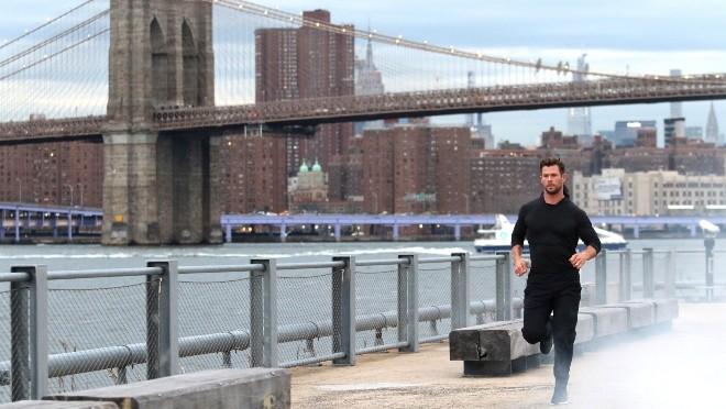 Zašto je Chris Hemsworth pretrčao pola Menhetna?